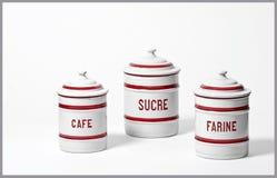 Boîtes métalliques françaises de nourriture Photographie stock libre de droits