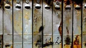 boîtes rouillées de courrier photos stock