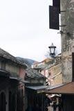 Bośnia i Herzegovina, Mostar - 07/08/2015: Widok historyczny zakupy streetKuyunzhiluk Zdjęcia Stock