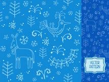 Boże Narodzenia deseniują z dekoracyjnym rogaczem, ptakami, jedlinami i sno, Obraz Royalty Free