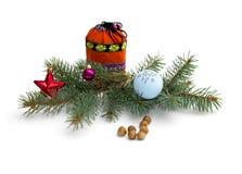Boże Narodzenia, jedliny gałąź z ornamentem, torba z prezentami i n, Zdjęcia Stock