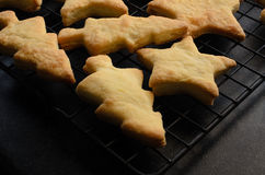 Boże Narodzenia Kształtujący Do domu Robić ciastka na deaktywacja stojaku Zdjęcie Royalty Free
