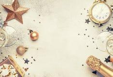 Boże Narodzenia lub nowego roku skład, rama, różowy tło z g zdjęcie royalty free