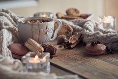 Boże Narodzenia lub nowego roku skład z gorącą czekoladą lub kakao zdjęcie royalty free
