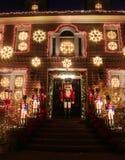Boże Narodzenia mieścą dekoracj świateł pokazu w podmiejskim Brooklyn sąsiedztwie Dyker wzrosty Fotografia Royalty Free