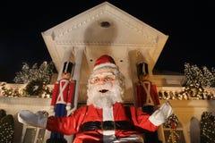 Boże Narodzenia mieścą dekoracj świateł pokazu w podmiejskim Brooklyn sąsiedztwie Dyker wzrosty Zdjęcia Stock