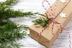 Boże Narodzenia, nowego roku tło, prosty skład robić Xmas dekoracje lub jodeł gałąź, mieszkanie nieatutowy Fotografia Stock