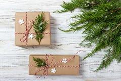 Boże Narodzenia, nowego roku tło, prosty skład robić Xmas dekoracje lub jodeł gałąź, mieszkanie nieatutowy Fotografia Royalty Free
