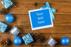 Boże Narodzenia obramiają dla fotografii lub teksta na drewnianym stole Zdjęcie Stock