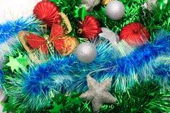 Boże Narodzenia ornamentują, gwiazdy, rożki, piłki, świecidełko Fotografia Royalty Free