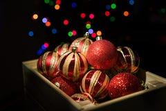 Boże Narodzenia ornamentują w składowym pudełku Zdjęcie Royalty Free