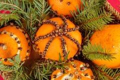 Boże Narodzenia ornamentują z pomarańcze Fotografia Royalty Free