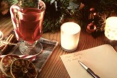 Boże Narodzenia piszą list z pikantność Fotografia Royalty Free