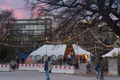 Boże Narodzenia wprowadzać na rynek przy Morawskim kwadratem przy zmierzchu czasem Obrazy Stock