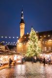 Boże Narodzenia wprowadzać na rynek na urzędu miasta kwadracie w Tallinn, Estonia Boże Narodzenia Zdjęcia Stock