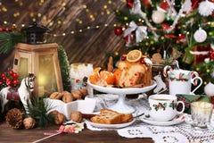 Boże Narodzenia zgłaszają z tortem i cukierkami zdjęcia royalty free