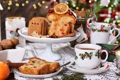 Boże Narodzenia zgłaszają z tortem i cukierkami obrazy royalty free