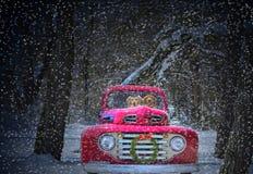 Boże Narodzenie ciężarówka z złotymi aporterami Zdjęcie Royalty Free