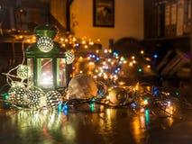 Boże Narodzenie zegar w bibliotece obrazy stock
