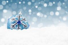 Bożego Narodzenia błękitny bauble fotografia royalty free