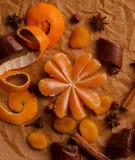 bożego narodzenia pojęcie - mandarynka bez skóry zdjęcie stock