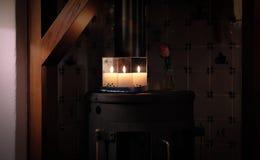 Bożenarodzeniowa świeczka między lustrami zdjęcie stock