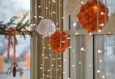 Bożenarodzeniowa dekoracja, światła i piłki, Obraz Stock