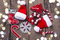 Bożenarodzeniowa dekoracja cukierku trzcina, drzewo, płatek śniegu, Santa kapelusz Zdjęcia Stock