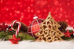 Bożenarodzeniowa dekoracja - Złoty błyskotliwości lśnienie Fotografia Royalty Free
