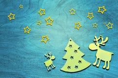 Bożenarodzeniowa dekoracja z jodłą i rogaczem niebieska tła Zdjęcie Stock