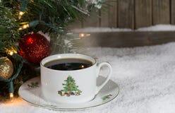 Bożenarodzeniowa filiżanka kawy Fotografia Royalty Free