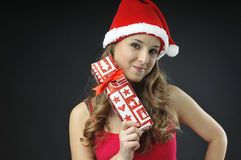 Bożenarodzeniowa naga dziewczyna zakrywający prezenty Zdjęcie Royalty Free