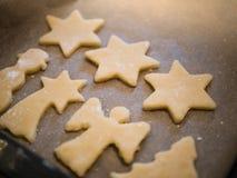 Bożenarodzeniowa piekarnia: w górę domowej roboty ciastek fotografia stock