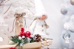 Bożenarodzeniowa wakacyjna dekoracja z zabawkami obraz stock