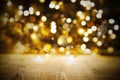 Bożenarodzeniowa Złota świateł tła, przyjęcia Lub świętowania tekstura Z drewnem, fotografia stock
