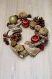 Bożenarodzeniowe dekoracje driftwood i rożki Zdjęcie Royalty Free
