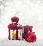 Bożenarodzeniowe dekoracje i czerwony lampion Obrazy Royalty Free