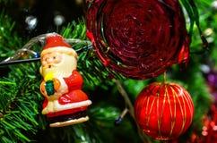 Bożenarodzeniowe dekoracje i sosny gałąź Zdjęcie Stock
