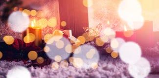 Bożenarodzeniowe dekoracje na sfałszowanym śniegu Zdjęcia Royalty Free