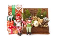 Bożenarodzeniowe jodeł gałązki, zabawki i prezenty, Zdjęcia Stock