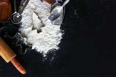 Bożenarodzeniowe kuchni i pieczenia dostawy Obramia czerń Łupkowy Backgr Zdjęcie Stock