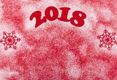 Bożenarodzeniowego Szczęśliwego nowego roku Wakacyjny skład na Czerwonym tle Odgórny widok Fotografia Royalty Free