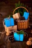 Bożenarodzeniowego Szczęśliwego nowego roku Wakacyjny skład z pudełkiem, rożek i Obrazy Stock