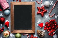 Bożenarodzeniowego Xmas nowego roku wakacyjny tło z pusty czarny chal Obraz Stock