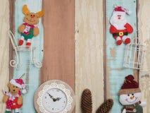 Bożenarodzeniowej dekoraci śliczny przedmiot z drewnianym tłem Obraz Stock