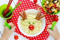 Bożenarodzeniowej zabawy sztuki karmowy pomysł dla dzieciaka śniadania ślicznego renifera fr Obraz Royalty Free