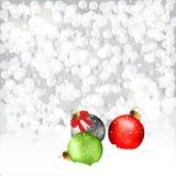 Bożenarodzeniowi Baubles W śniegu Zdjęcia Royalty Free