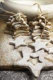 Bożenarodzeniowi ciastka kropiący cukierem Zdjęcie Royalty Free