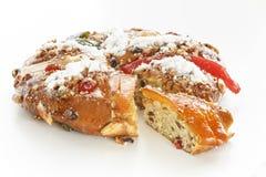 Bożenarodzeniowy Bolo Reja lub królewiątko tort Nad bielem Obraz Royalty Free