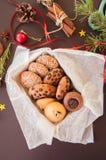 Bożenarodzeniowy ciastko prezenta pudełko Domowej roboty świąteczny wypiekowy pojęcie, jodła Zdjęcie Royalty Free